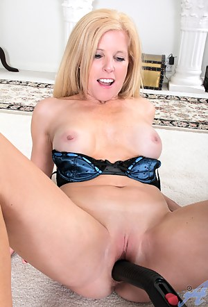 Housewife Georgie so sexy in her tiny thong and nice bra as she fucks a vacuum cleaner handle