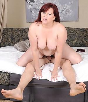Plump dynamo Marcy Diamond rides her lucky man's cock