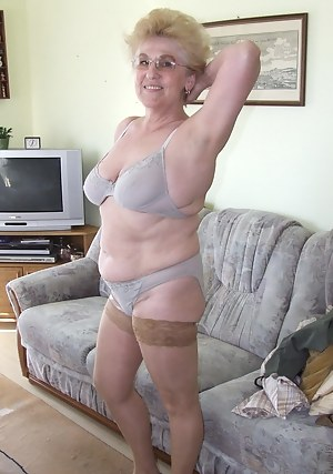 This older amateur shows us the goods