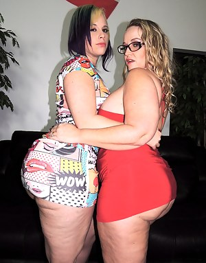 Another BAD ASS, MOTHER FUCKING, AWESOME meet and greet for our Siren Strokers. Dee Siren and Virgo Peridot got to hang out with some of their fans and like they always do, they put on a nasty show for all to watch. They fuck each other with toys, Dee str