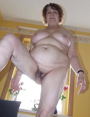 This firm mama loves to show her wet pussy