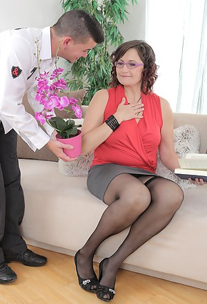 Horny old 45 year old Justina gets her mature pussy fucked hard