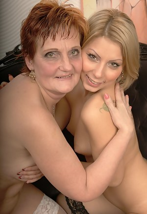 mature titty lickers