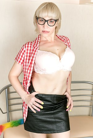 Lika Naughty Mature Blonde
