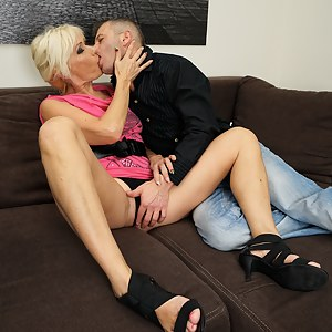 Horny mature slut fucked by her lover