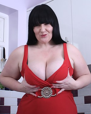 Huge breasted mature slut getting naughty
