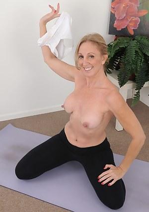 50 year old blonde housewife Jenna Covelli practicing naked yoga