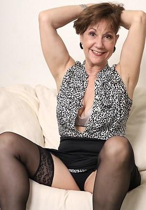Lynn Flirty Mature