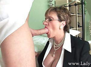 Lady Sonia gobbling knob like shes starving for it! You can see the full set inside the members area.
