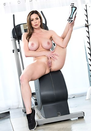 Thick and toned brunette loves lifting weights and seducing her personal trainers: watch her get banged like a complete slut.