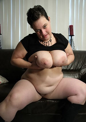 Big tited mature slut playing with herself