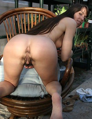 Hairy pussied Vixen decides a greenhouse is a perfect place to play