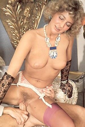 Classy seventies lady enjoys a stiffy penis inside her twat