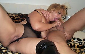 Mature amateur housewife in horny sucking and fucking action