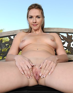 Horny 31 year old Samantha Rae enjoys a cigarette before spreading