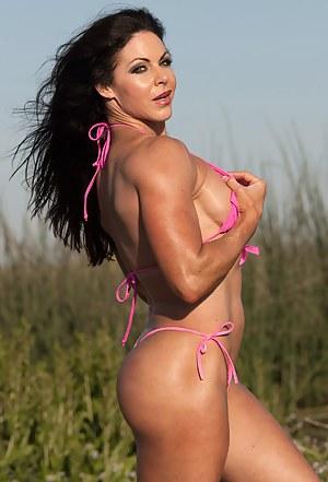 Shauna Lee Brennan, Hot Muscles in Pink
