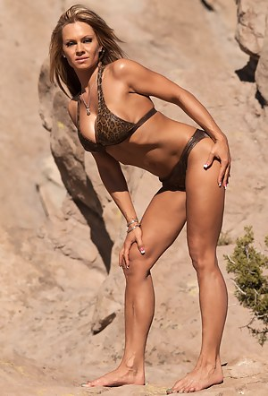 Michelle Hull, Topless Fit Beauty