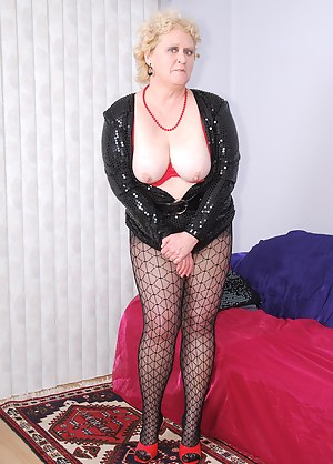 Mmm, this low cut glittery black dress is soo tarty, plus it has a handy zipper in front, wink. A perfect opportunity to