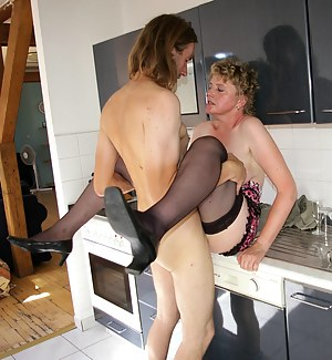 This cockhungry housewife gets a mouth full