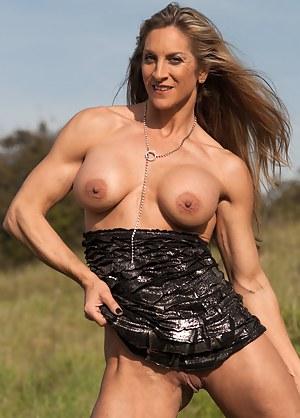 Cynthia Daniels, Naked Muscles