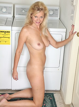 Gorgeous 44 year old housewife Heidi Gallo breaks after doing laundy