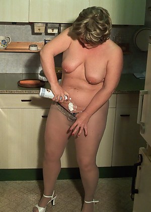 Give this mature slut whipped cream and she gets wild