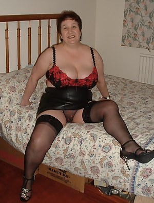 ...waiting for my lover on his bed, what a surprise he had xxx