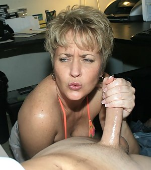 hottie hot wife tracy milf handjob