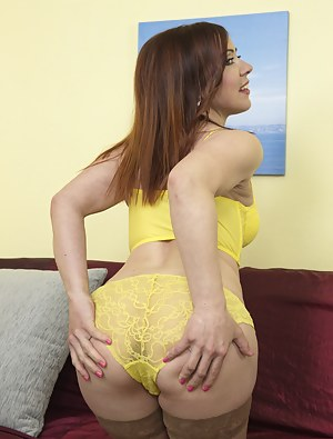 Hot naughty housewife getting ready for fun