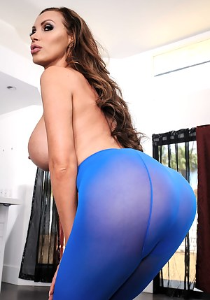 Kinky redhead madam wearing blue leggings is sucking her man's thick aggregate and getting her ass hole penetrated amazingly hard.