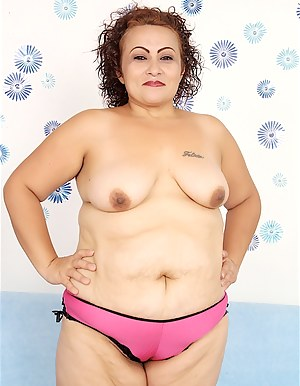 Hot blooded Latina BBW Rosa Diez gets undressed and then sucks on a big cock