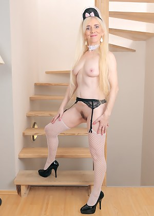 After playing maid Dorena from AllOver30 spreads on the stairs