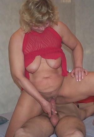 Blonde mature slut sucking and fucking her ass off