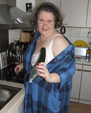 Amateur chubby housewife getting nasty in the kitchen