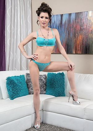 Today we bring you a super sexy star named Jessica Jaymes. She is a petite stunning brunette beauty that loves to tease you and get you off. Jessica is wearing some sexy blue lingerie and she strip down to nothing just for you. After a little intro tease