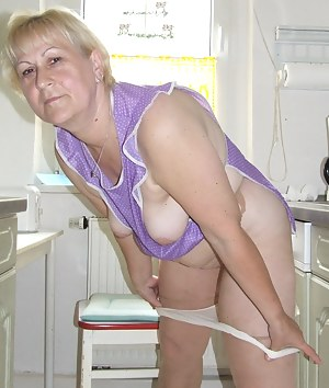 Kinky mature amateur housewife cleaning dirty