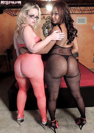 When you're asked to play with a thick ebony woman with a BIG ASS, how can I say no? Especially if you mix in a BIG BLACK COCK'd stud to the party! Lexi hasn't been with a women in over 5 years, so I made sure she got plenty of my white, wet pussy. You're