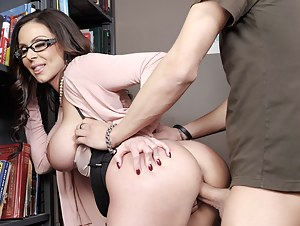 Share fantastic fuck session with this strong schoolboy and his busty teacher. She is taking off her sexy clothes and being banged in the classroom.