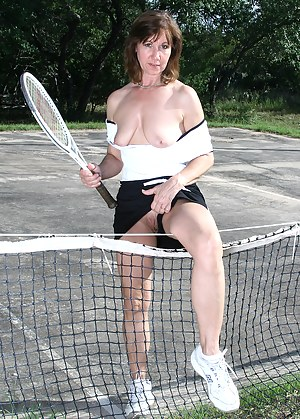 There's good something to be said about playing tennis in the nude