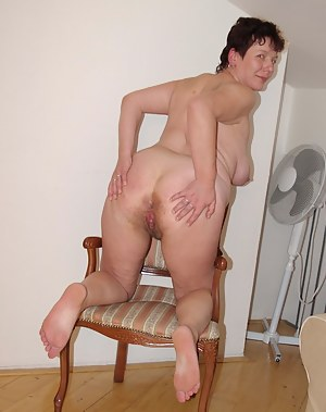 This horny housewife loves to get her holes plugged
