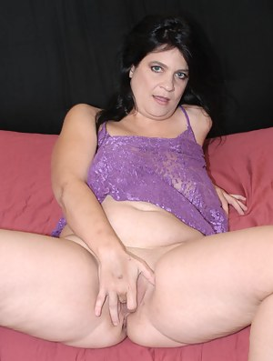 This hot american MILF loves that black cock