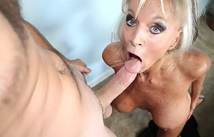 Milf gave a birthday blowjob for a 18 years old boy with big dick