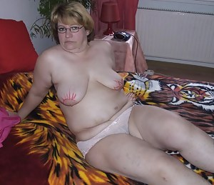 This housewife loves to get dirty when shes alone