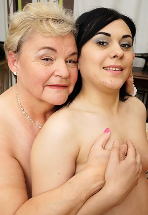 Naughty BBW lesbian playing with a younger babe