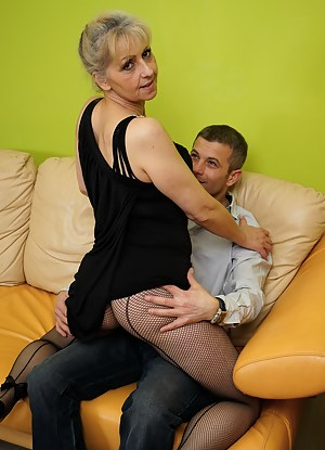 Horny housewife fooling around with the neighbour