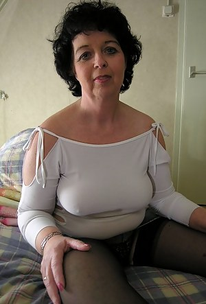 Check those nice mature tits out