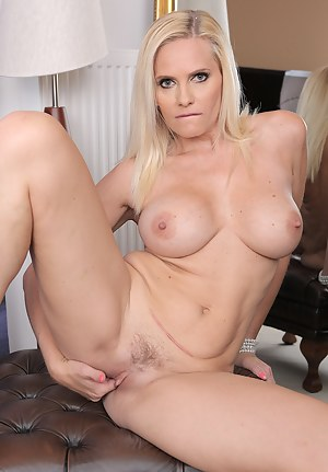 Blonde 40 year old Lily Peterson changes haircolor while getting naked