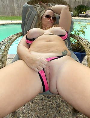 Warm Houston day and this phat ass HOTWIFE needs some big dick! My boytoy came over, rubbed some oil on my ass, and fucked me HARD out by the pool. His dick feels so good in my married holes.
