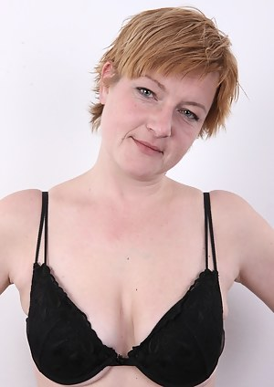 This Czech mommy is totally original. An amateur psychologist with unconventional attitude. Her confession is worth listening. Wait for her frolicking with the cameraman. Iva will serve you a couple of nice treats. This Czech amateur doesn't shave her pus