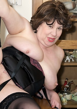 Hi Guys, Its your Favourite Auntie Trisha and shes all dressed in Black for this hot photo set but not for long as I soo